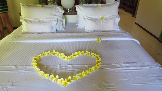 Lifestyle Enthusiast - Floral decoration in love heart shape