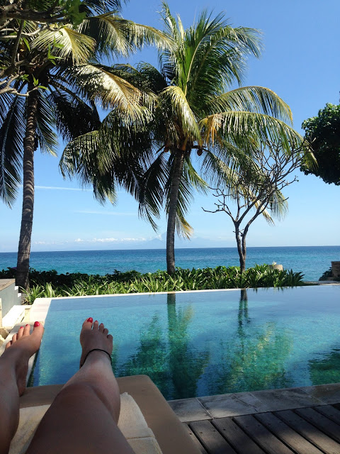 Lifestyle Enthusiast - Relaxing by the private pool
