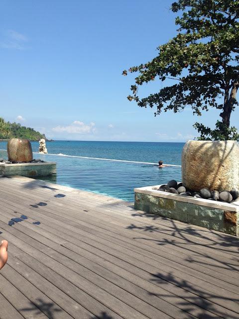 Lifestyle Enthusiast - Lambok and Gili Islands - Infinity Pool with views