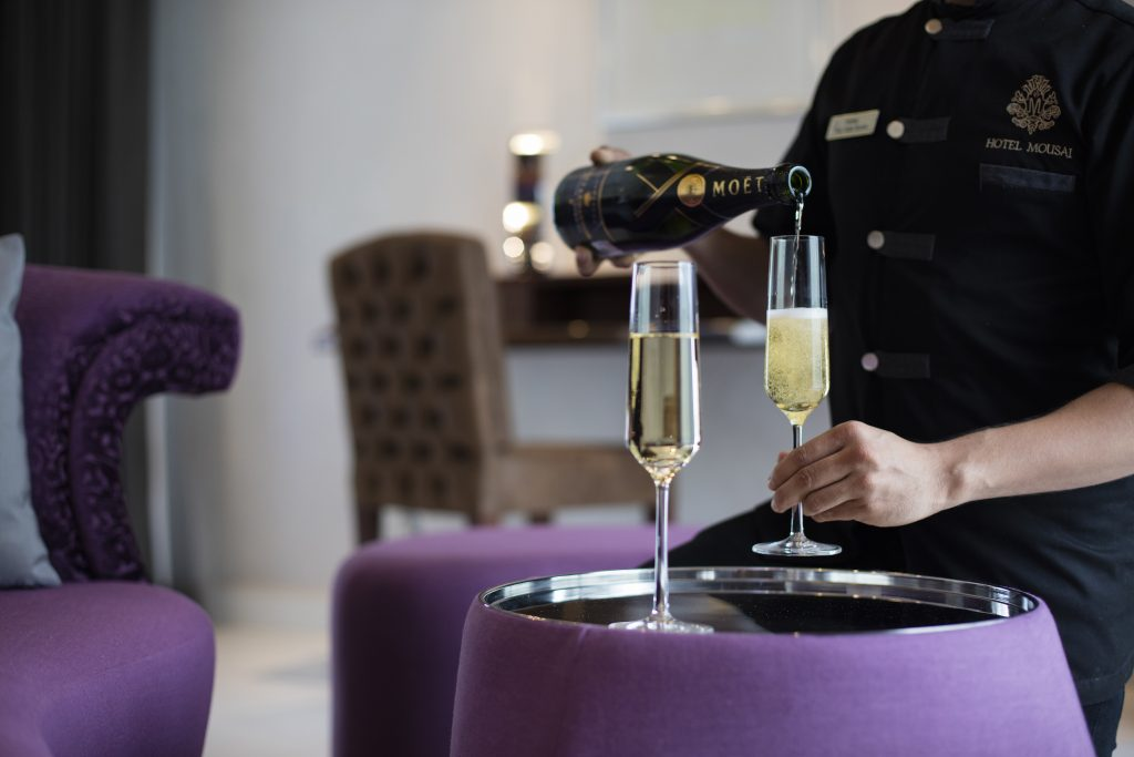Hotel Mousai Corner Suite Lounge - Lifestyle Enthusiast Blog - photo courtesy of Hotel Mousai