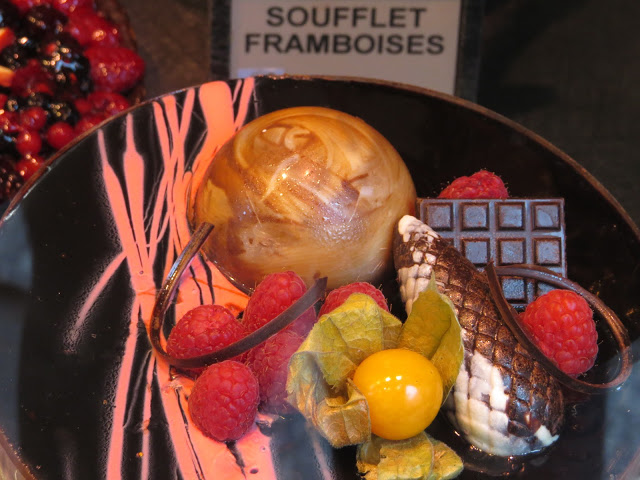 Lifestyle Enthusiast Paris - Rue Royale - French Dessert and Pudding - Raspberry Chocolate Physalis