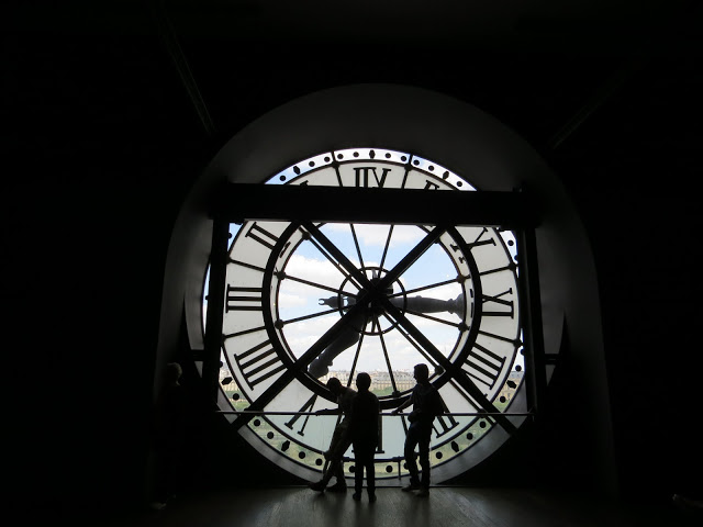 Lifestyle Enthusiast - Clock  Face in Paris
