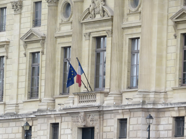 Lifestyle Enthusiast - Paris - Flags