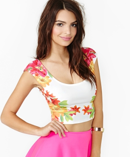 Lifestyle Enthusiast - Nasty Gal Tropic Rush Crop Top in Floral