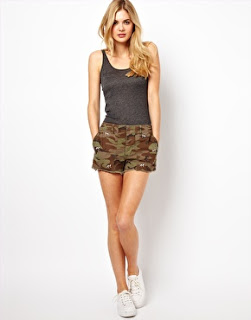Ralph Lauren Camo Shorts with Embroidered Dogs