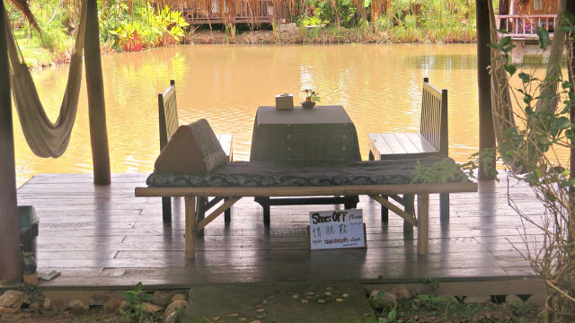 Lifestyle Enthusiast - Dining on the lake, Bueng Pai Farm