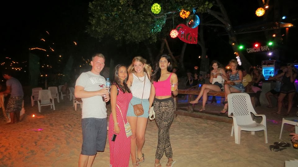 Lifestyle Enthusiast - With friends in Thailand