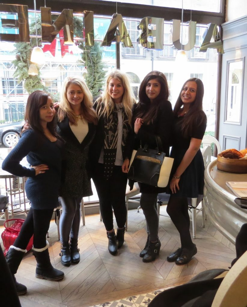 Lifestyle Enthusiast - Lunch Reunion at Aubaine - Cheesy Group Photo