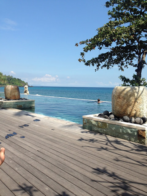 Lifestyle Enthusiast - Lambok and Gili Islands - Infinity Pool with views
