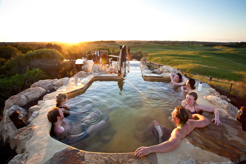 Lifestyle Enthusiast - Peninsula Hot Springs - Hill thermal spa