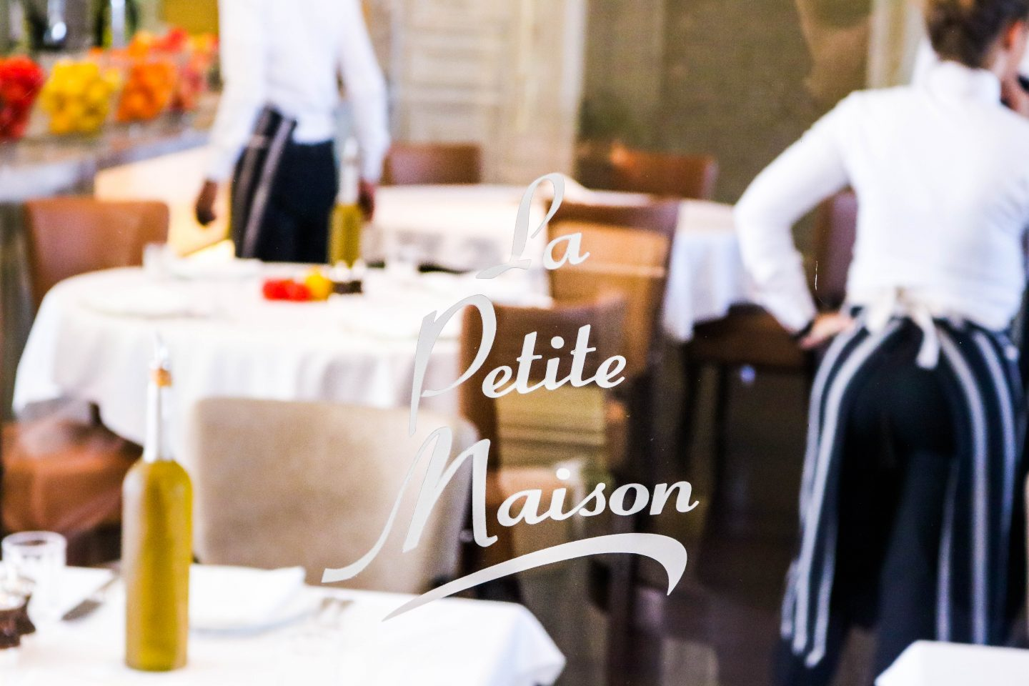 La Petite Maison - glass window - best restaurant for lunch in Dubai on the Lifestyle Enthusiast blog